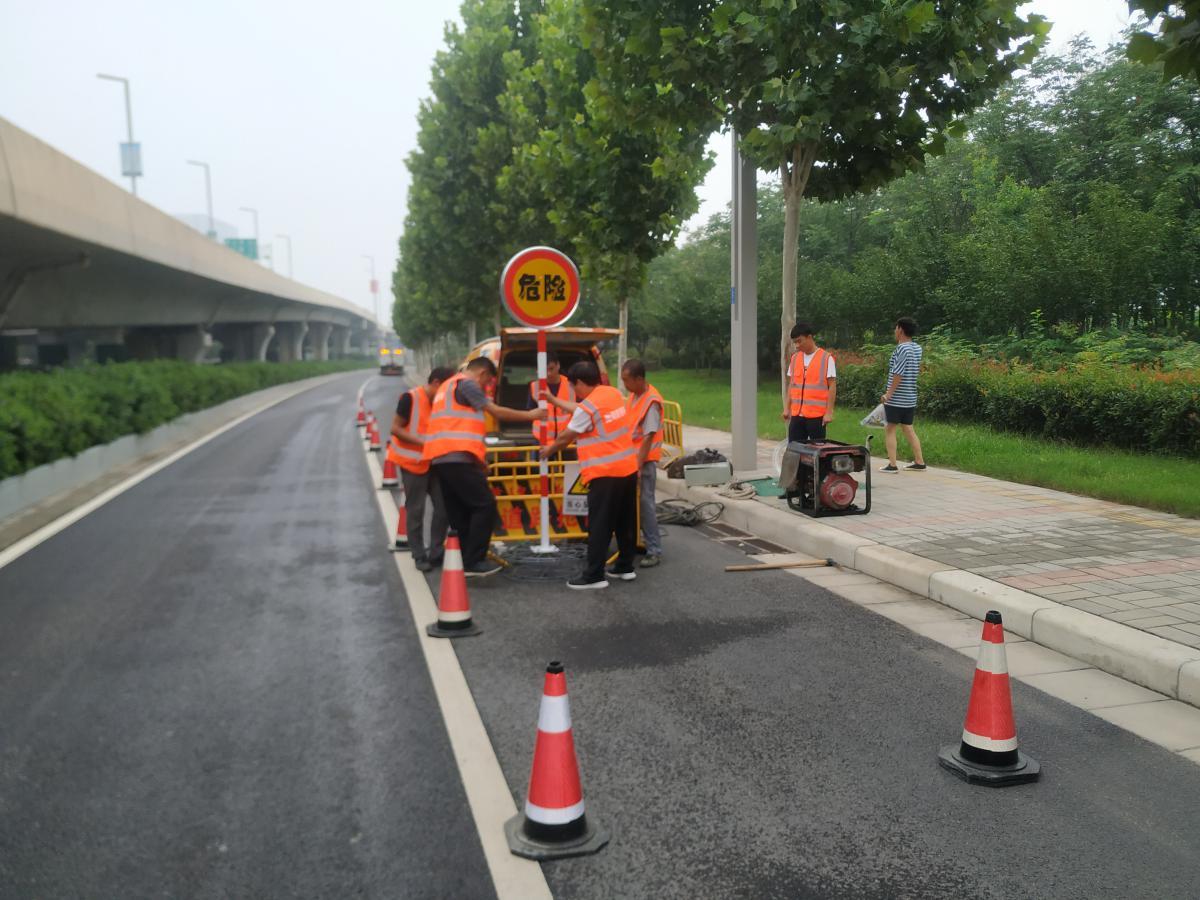 陇海路快速通道工程日常养护服务项目第一标段积极做好防汛工作